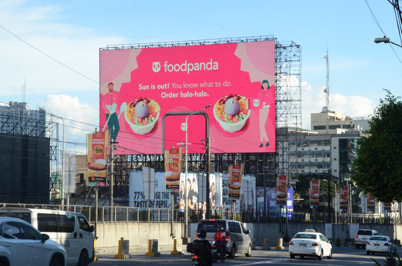 quảng cáo DOOH thay đổi theo ngữ cảnh