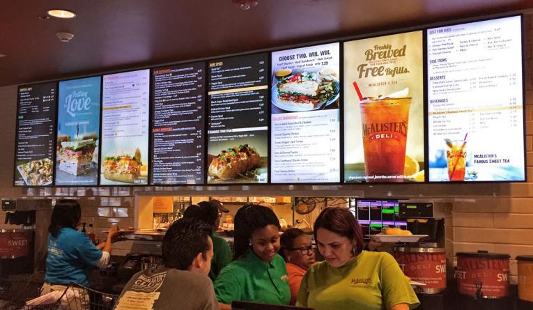 màn hình tại các quán cafe